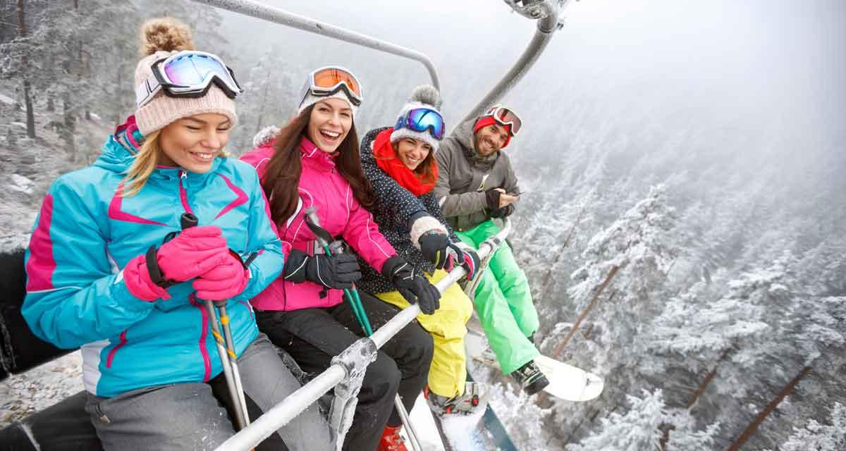 met elkaar in de skilift